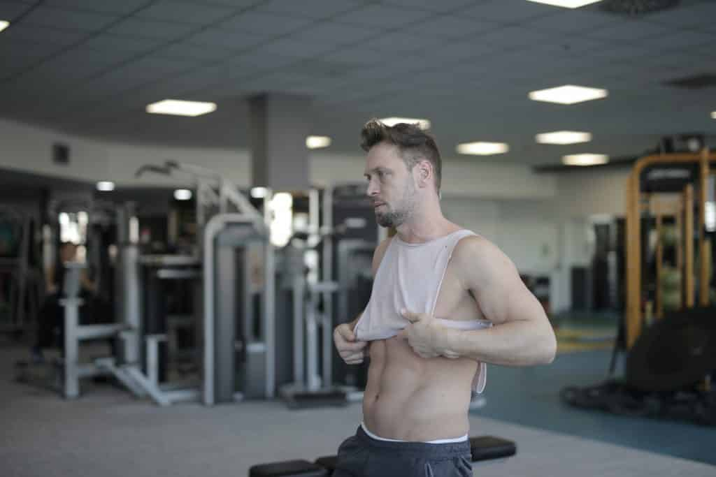 trebate li prvo izgraditi mišiće pa onda izgubiti masno tkivo ili izgubiti prvo masno tkivo pa onda izgraditi mišiće